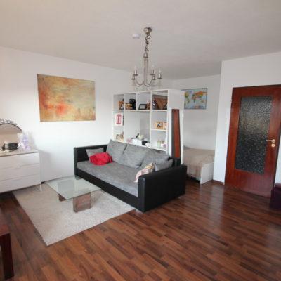 Kelsterbach: Teilmöblierte Wohnung auf ca. 45m² mit EBK & Sonnenbalkon im alten Ortskern 4