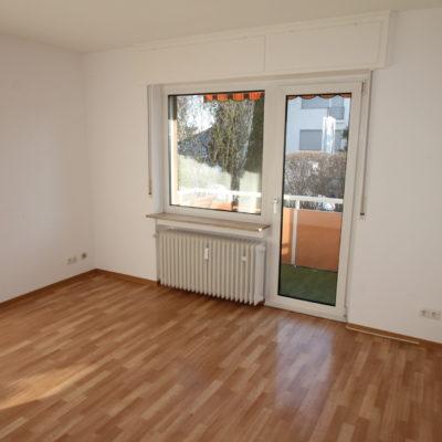*Zentral gelegen* Geräumige 3 Zimmer im gepflegten Wohnhaus mit Sonnenbalkon 5