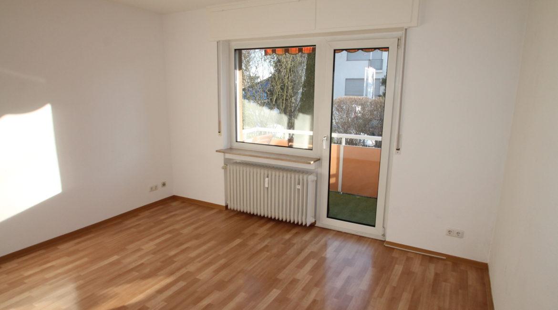 *Zentral gelegen* Geräumige 3 Zimmer im gepflegten Wohnhaus mit Sonnenbalkon