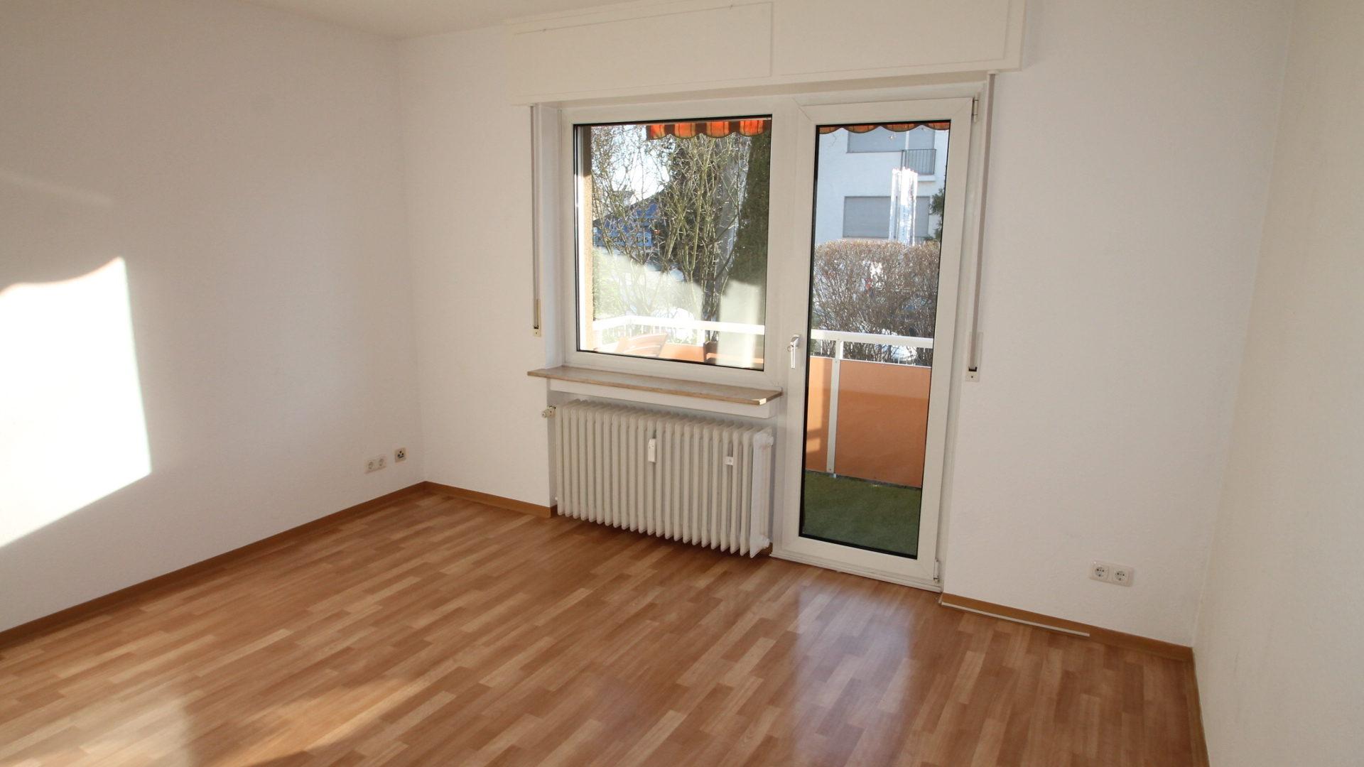 *Zentral gelegen* Geräumige 3 Zimmer im gepflegten Wohnhaus mit Sonnenbalkon 1