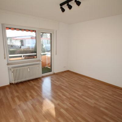 *Zentral gelegen* Geräumige 3 Zimmer im gepflegten Wohnhaus mit Sonnenbalkon 9