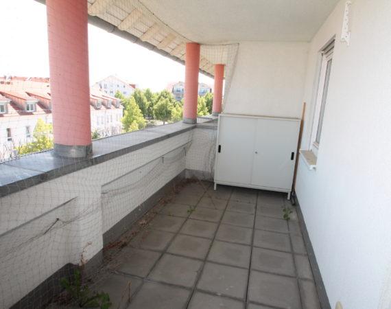 *Hell & Gepflegt* 2 Zimmer, 2 Balkone inkl. 2 TG-Stellplätze in zentraler Lage 2