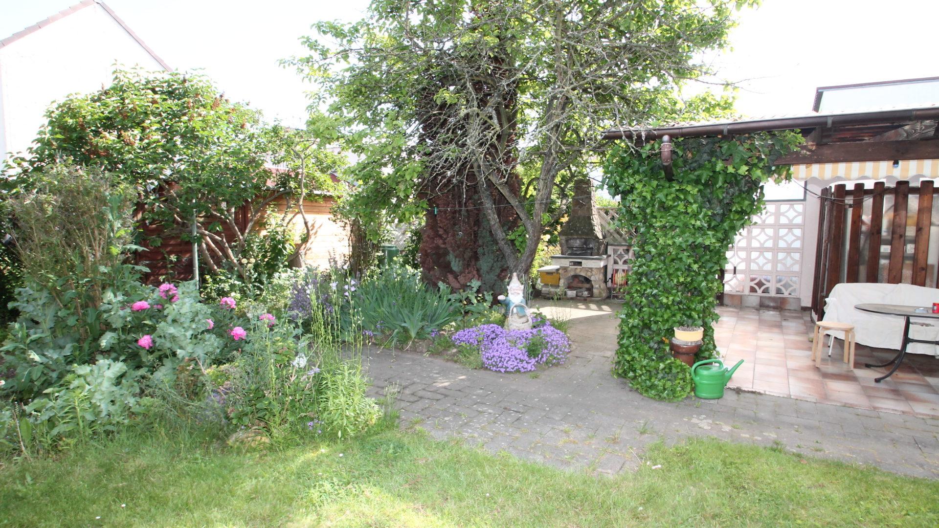*Top Lage in Flörsheim* Barrierefreie Doppelhaushälfte mit großen Garten