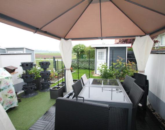 *In Feldrandlage* Neuwertiges Reihenmittelhaus mit Garten und 2 PKW-Stellplätze 1