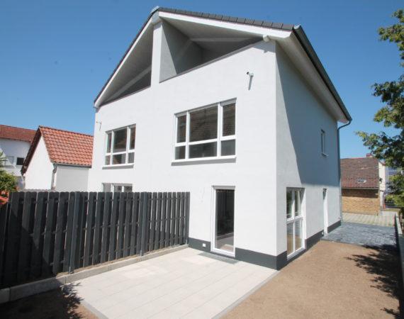 *Neubau* Schlüsselfertige Doppelhaushälfte in ruhiger Lage von Astheim 3